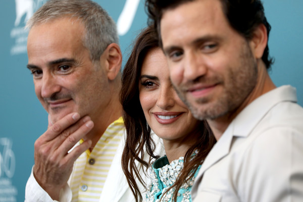 099 Wasp Network Photocall - The 76th Venice Film Festival - Olivier Assayas_ Penélope Cruz_ Edgar Ramírez