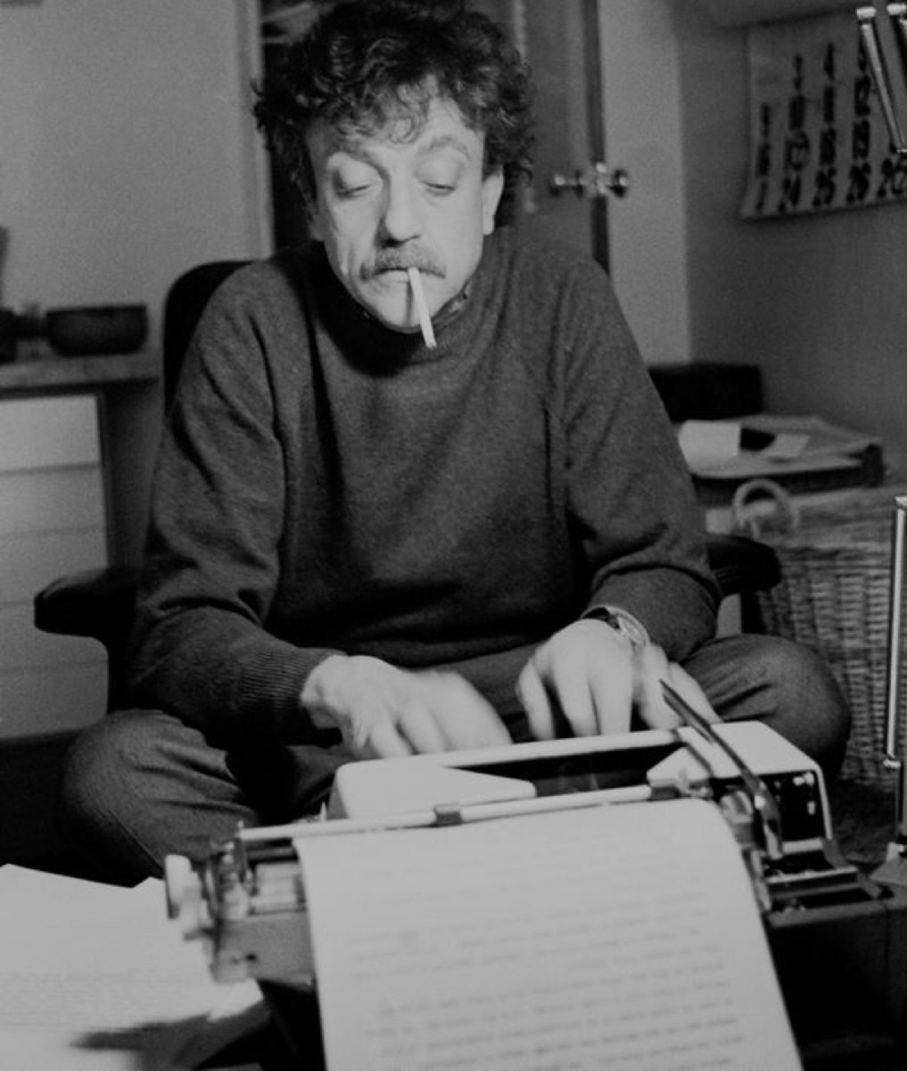 kurt-vonnegut-462477135-photo-santi-visalli-getty-images