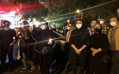 A large number of fans of Mohammad- Reza Shajarian gathered in front of Jam hospital after his death news