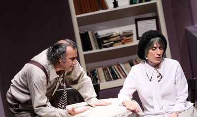 """Tehran theater to host people who want to see """"Who's Mr. Schmitt?"""""""