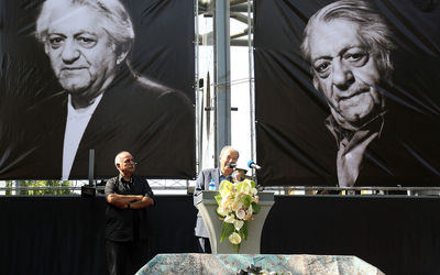 Ezzatolah Entezami Funeral: Iranian Legend Remembered During an Emotional Memorial