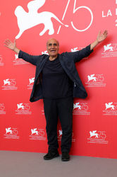 08 Director Amir Naderi attends Magic Lantern photocall during the 75th Venice Film Festival