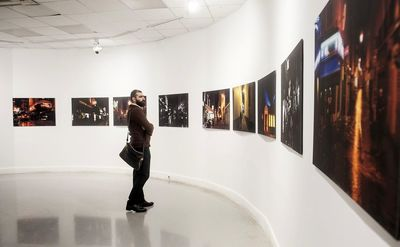 Photo exhibit features film critic's nights out in 40 cities