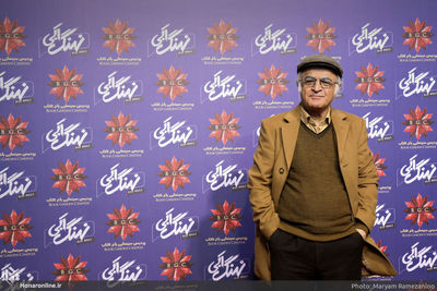 """""""Blue Whale"""" director says home video network fills in blank for private TV in Iran"""